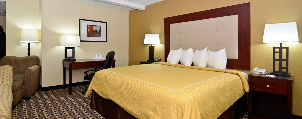 Luxuriously Appointed Beds & Linens